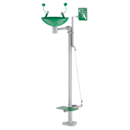 Free-standing eye wash station